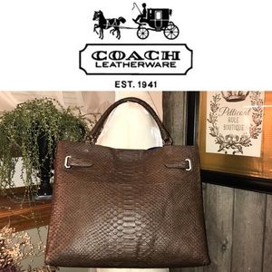 💜SALE! Like New! Coach All Leather Alligator Tote